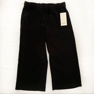 Lululemon On the Fly 7/8 Wide Leg Pant - NWT